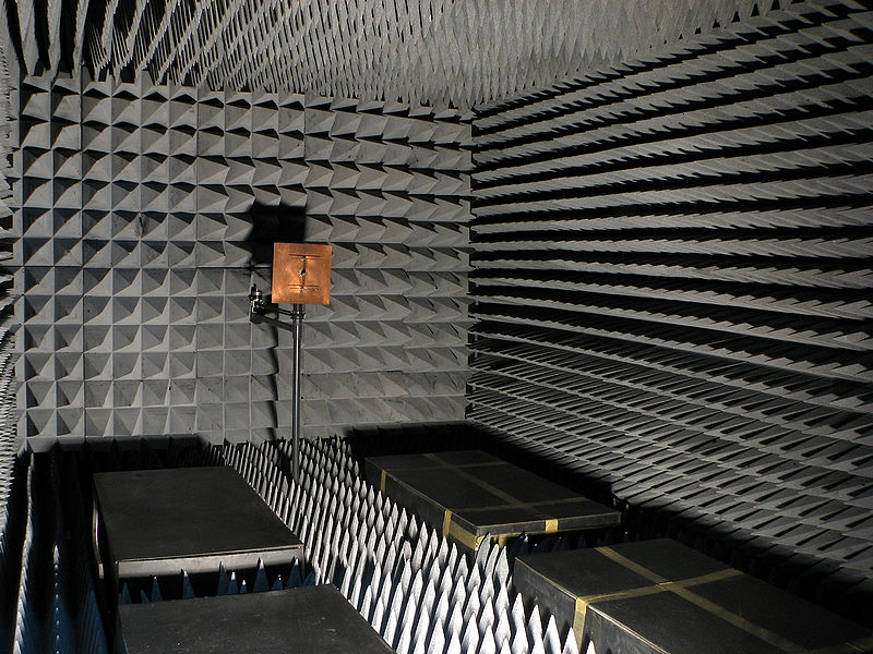 800px-Radio-frequency-anechoic-chamber-HDR-0a